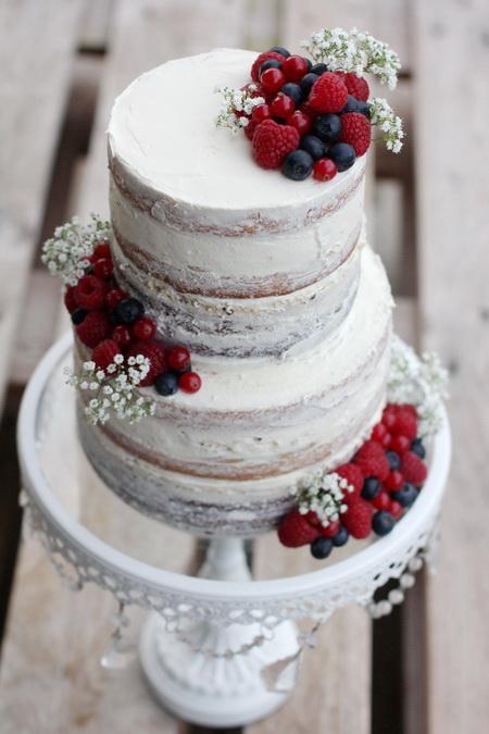 """""""Naked Cake"""" með súkkulaði, karamellu og vanillu ívafi"""