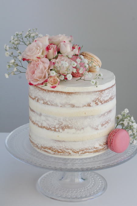 Vanillu naked-cake