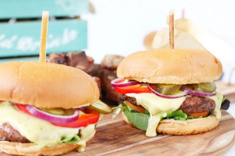 Burger with bernaise