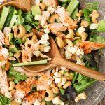 Salat með laxi