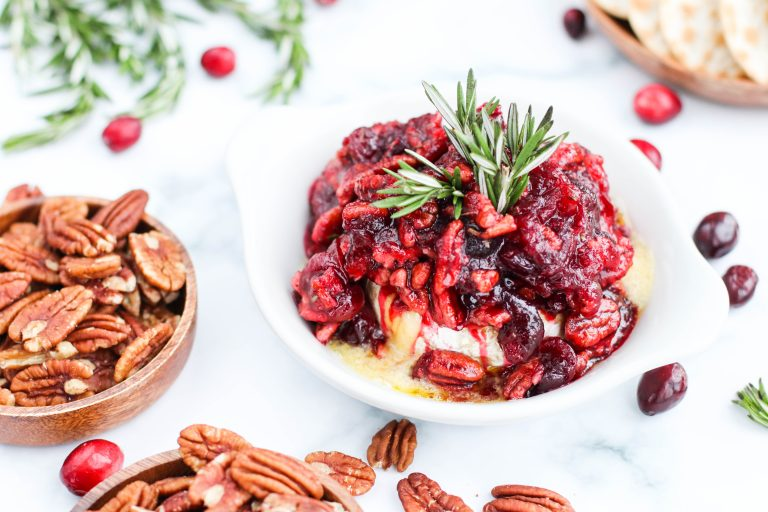 Baked brie with pecan and cranberries