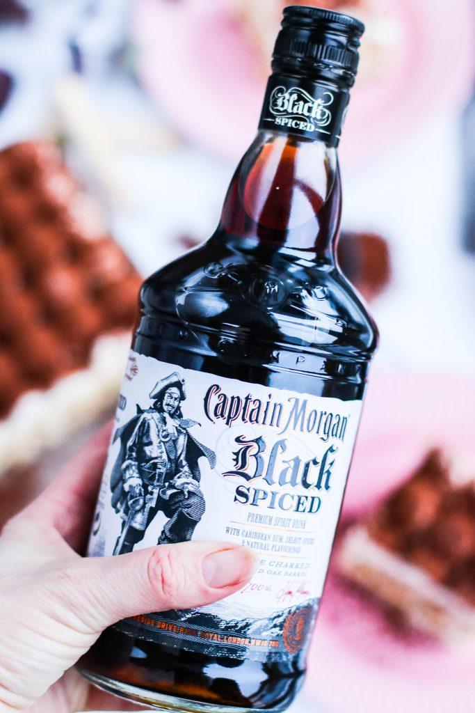 Captain Morgan black spiced romm fyrir tiramisu köku