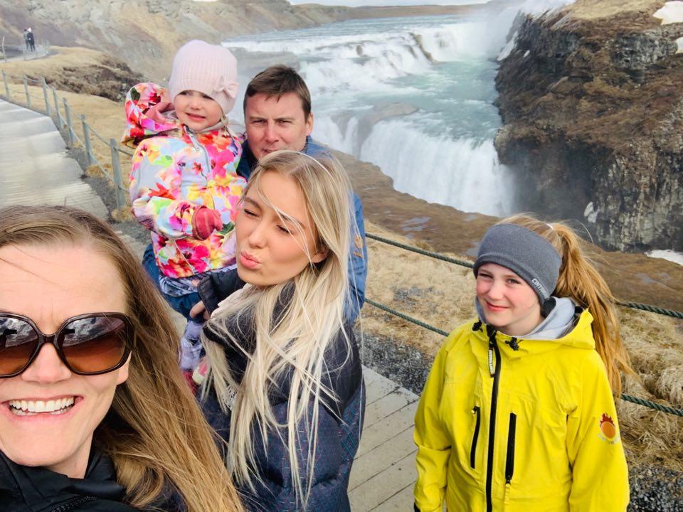 Ævintýradagur fjölskyldunnar á Suðurlandi með viðkomu í Friðheimum, Gullfoss, Feysi, Faxa, Kerinu og Silfurber