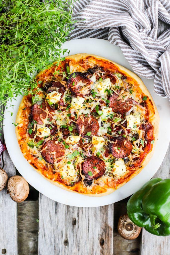 Pizza með góðu áleggi