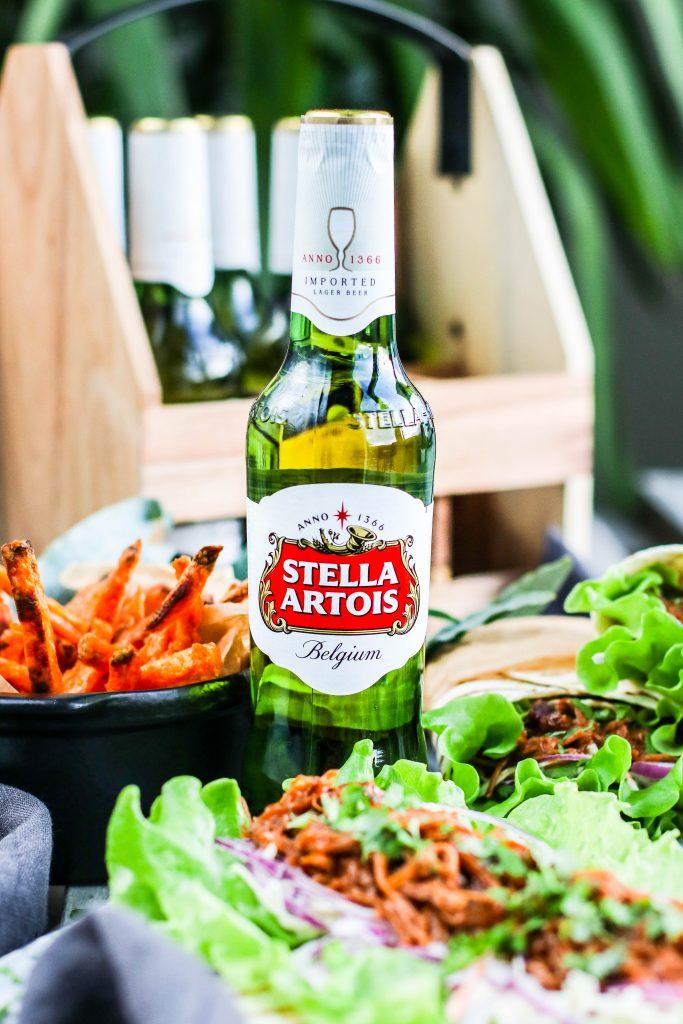 Vefjur með rifnu svínakjöti og hrásalati með Stella Artois bjór