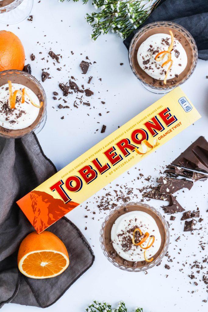 Uppskrift af Toblerone súkkulaðimús með Toblerone Orange Twist súkkulaði