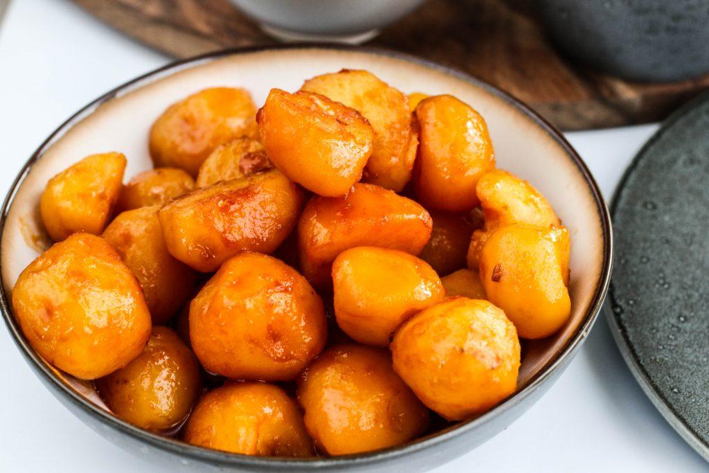 Brúnaðar karamellu kartöflur