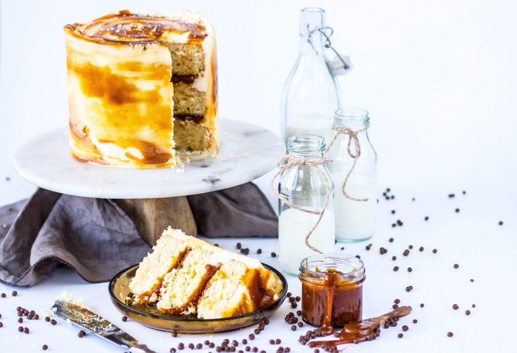 Vanillukaka með ljúffengu karamellukremi