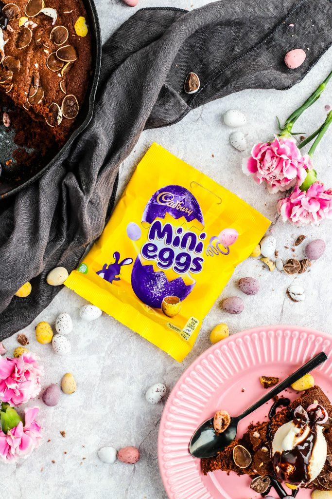 Brownie með cadbury súkkulaðieggjum fyrir páskana