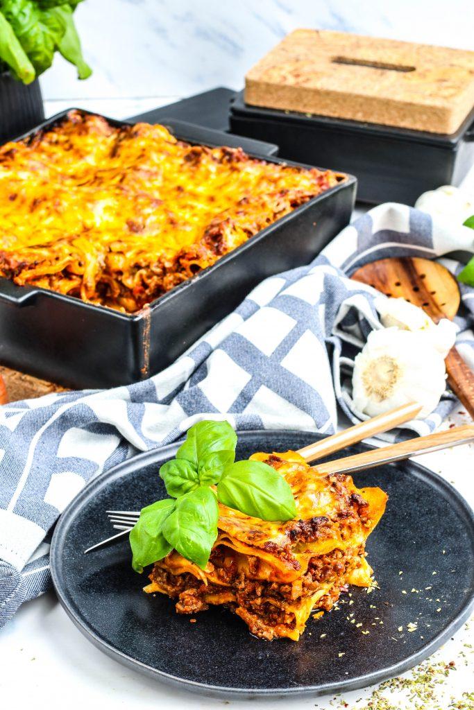 Heimagert lasagna í eldföstu móti