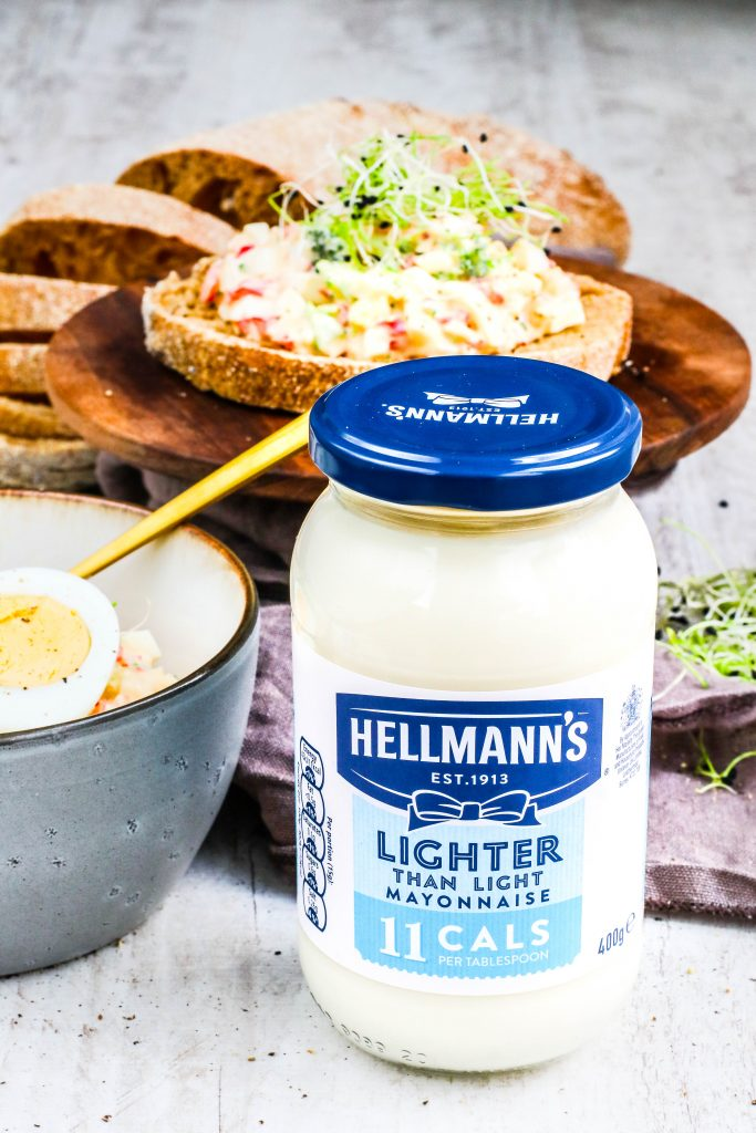 Hollt salat með Hellmanns lighter than light majónesi